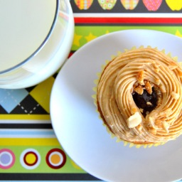 Peanut Butter & Jelly Cupcakes for Back to School